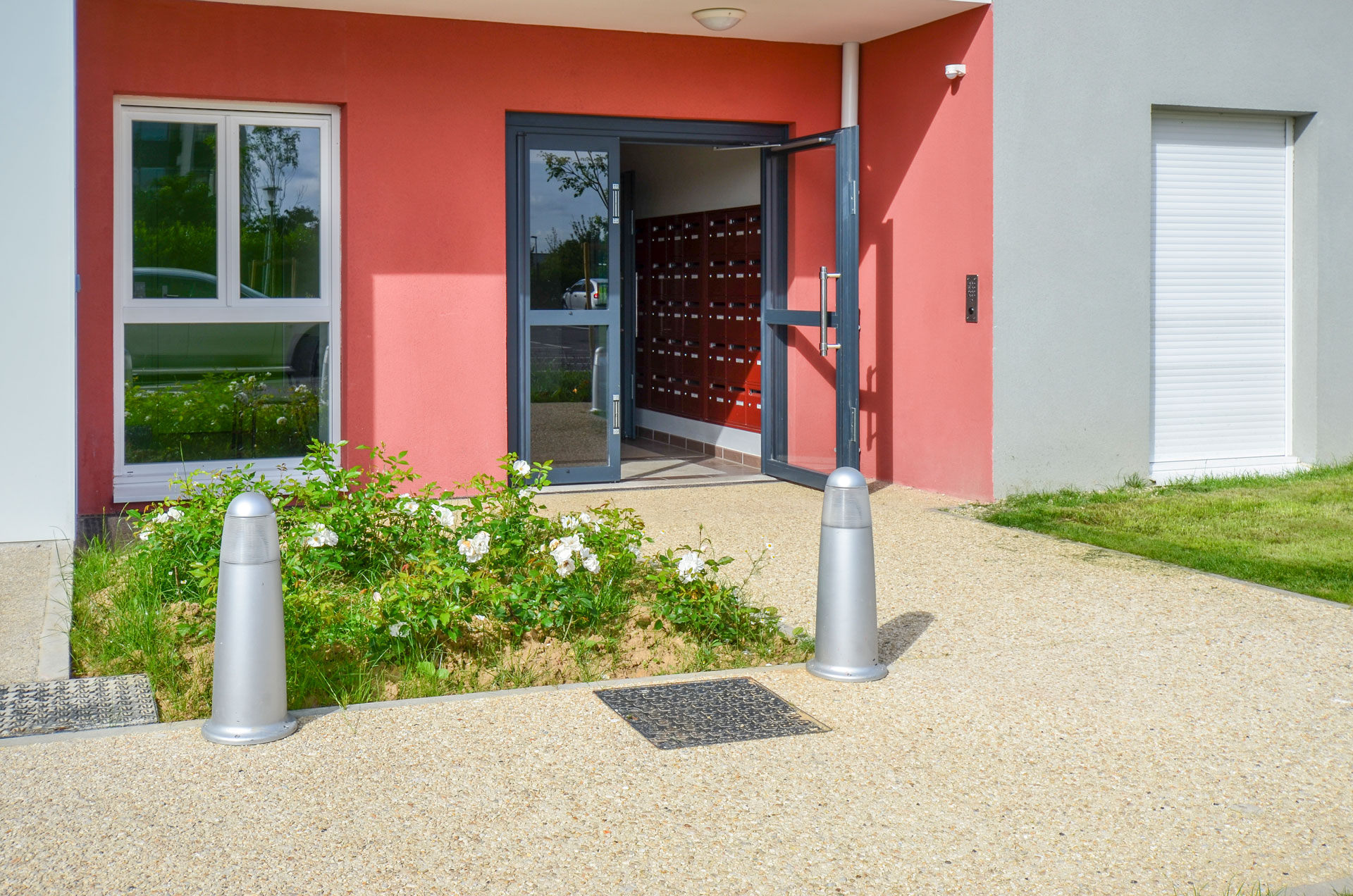 Vue de l'entrée la résidence de Villeneuve-Saint-Georges