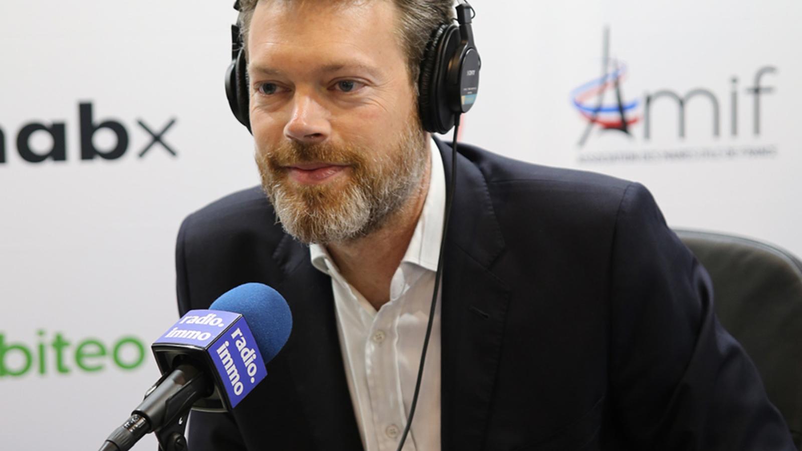 Photo de Jérome Gorge en interview pour Radio Immo